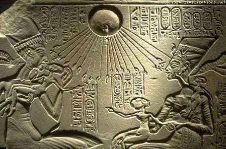 Akhenaten queen nefertiti